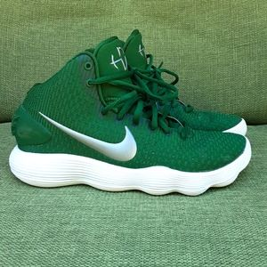 Nike Hyperdunk Basketball Sneakers.